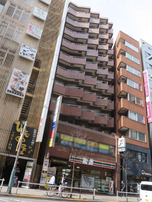 新宿ダイカンプラザB館ビルの外観