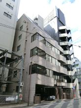 Crown Takahashi Building Exterior