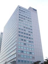大型ツインタワーのイースト棟