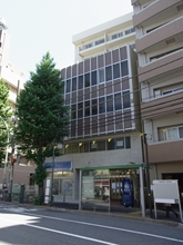 Mejiro High Building Exterior