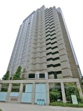 Roppongi First Building Exterior